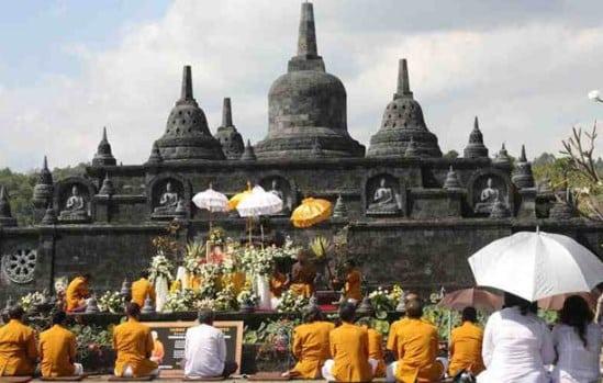 √Sejarah : Pengeruh Hindu-Buddha Dalam Kehidupan Masyarakat Indonesia