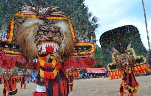 √ 10 Budaya Indonesia yang Diakui Unesco